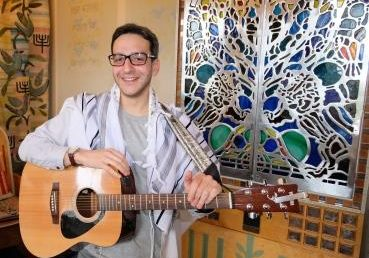Shacharit (morning prayers) at Leo Baeck College
